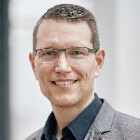 Claudia Höbartner